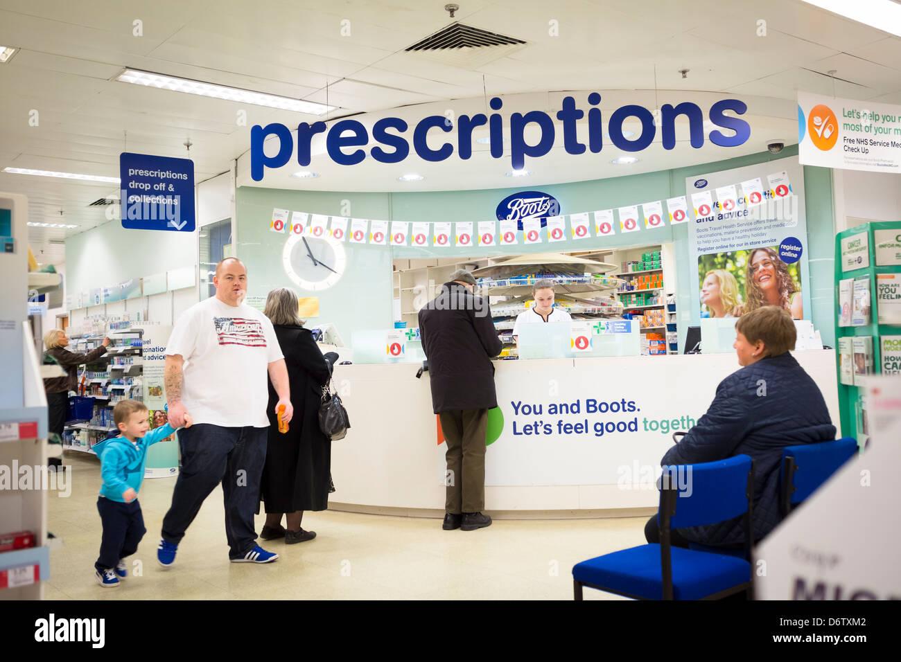 Pharmacist Uk Stock Photos & Pharmacist Uk Stock Images - Alamy