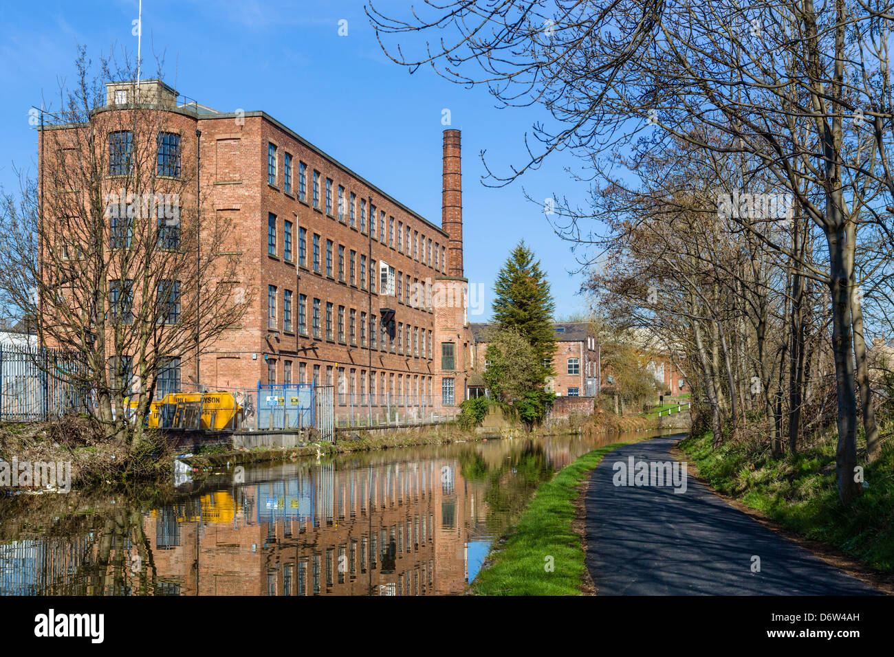 Industrial units on the Leeds to Liverpool Canal near Oddy Locks, Leeds, West Yorkshire, UK - Stock Image