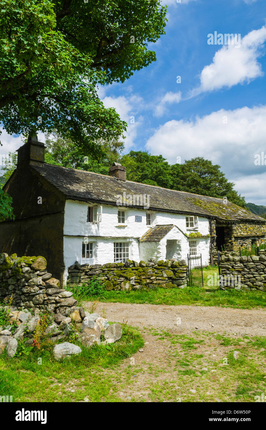 Farm Cottage in the Lake District National Park near Little Langdale, Cumbria, England. - Stock Image