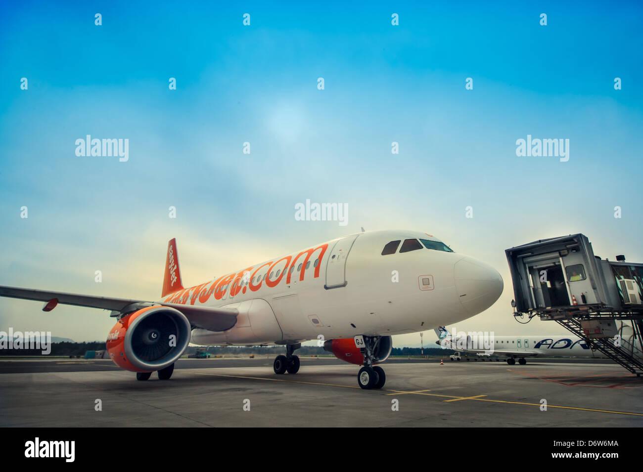 Easyjet plane arrives at Ljubljana Airport on April 20, 2013 - Stock Image