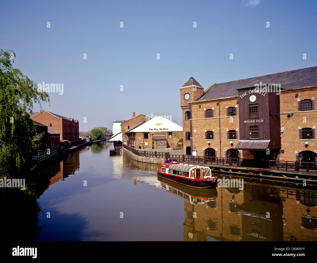 8512. Wigan Pier & Leeds Liverpool Canal, Wigan, Greater Manchester, England, Europe - Stock Image