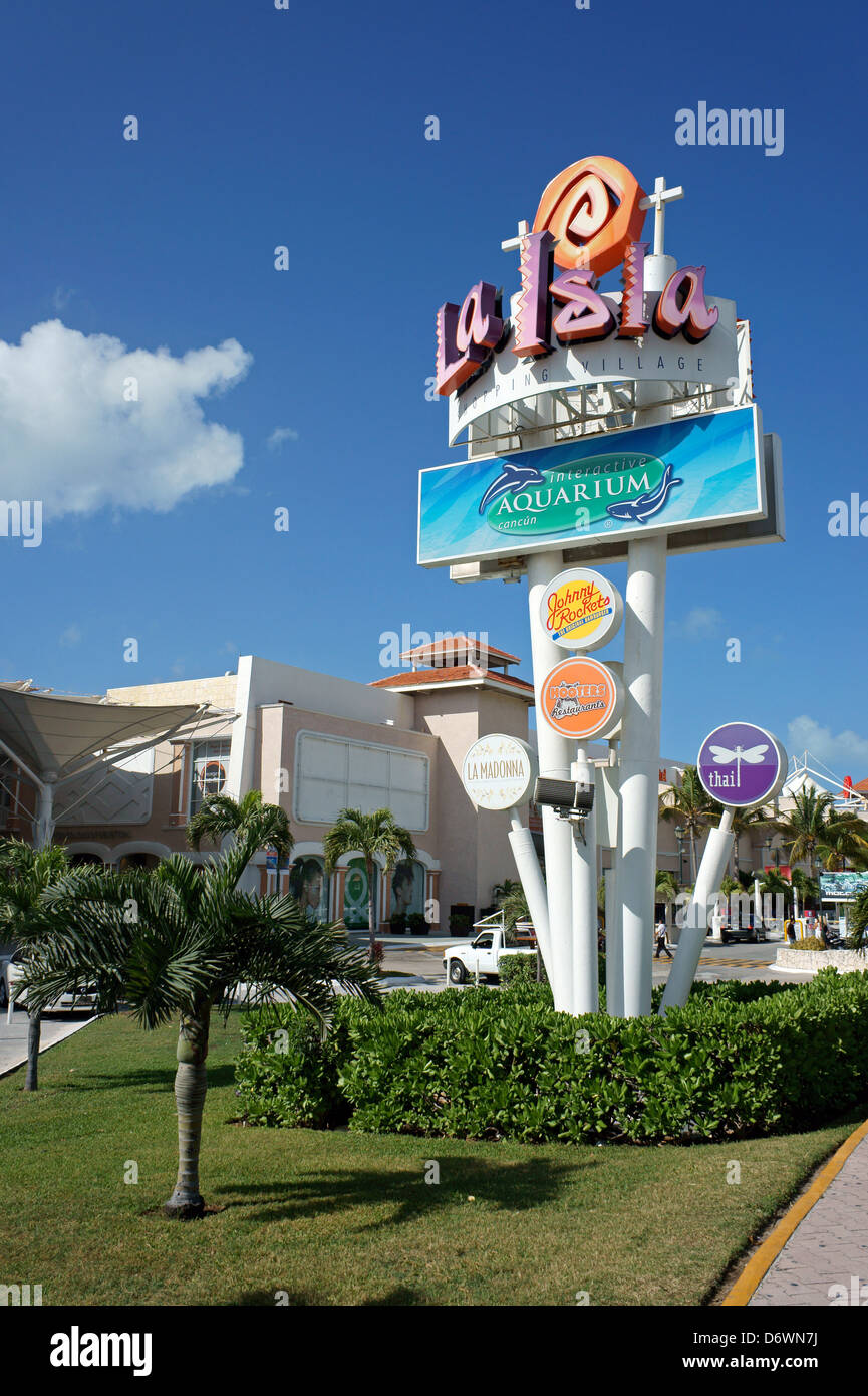 La Isla Shopping Village mall in the Zona Hotelera, Cancun, Quintana Roo, Mexico - Stock Image