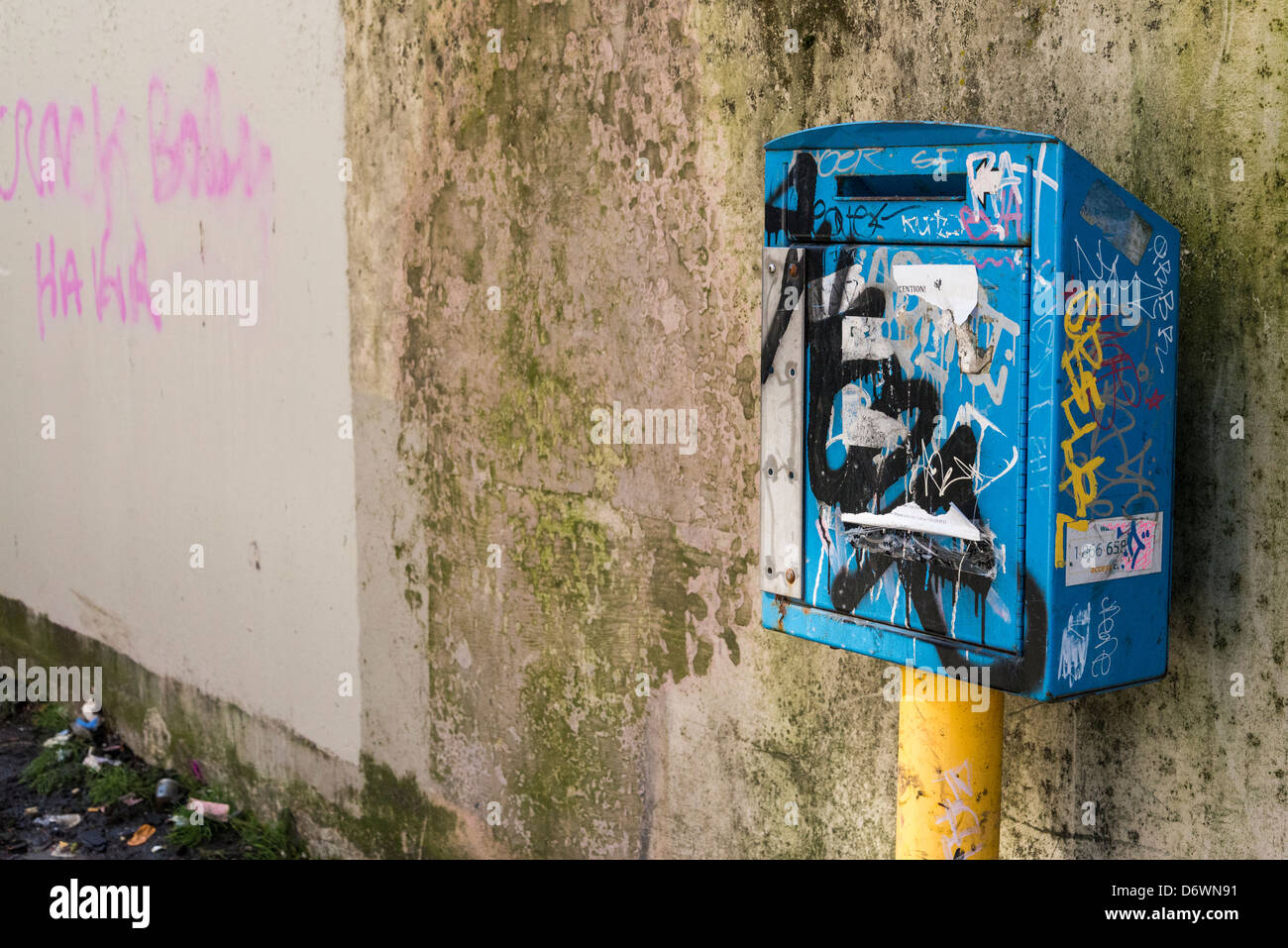 Used needle drop box, DTES, Downtown Eastside, Vancouver, British Columbia, Canada - Stock Image