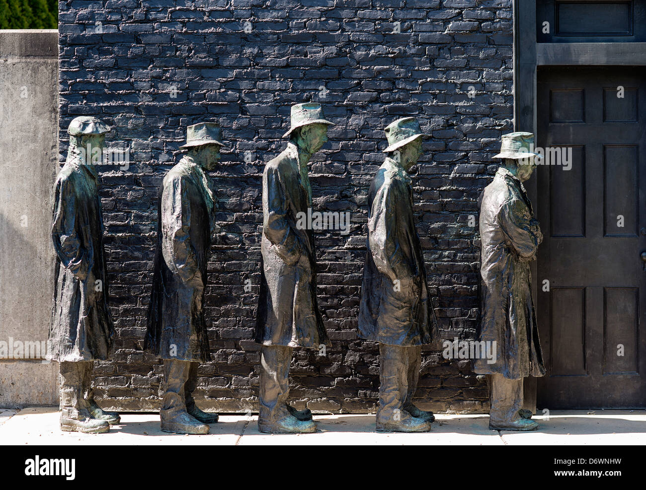 Depression Bread Line, Grounds for Sculpture, Hamilton, New Jersey, USA - Stock Image