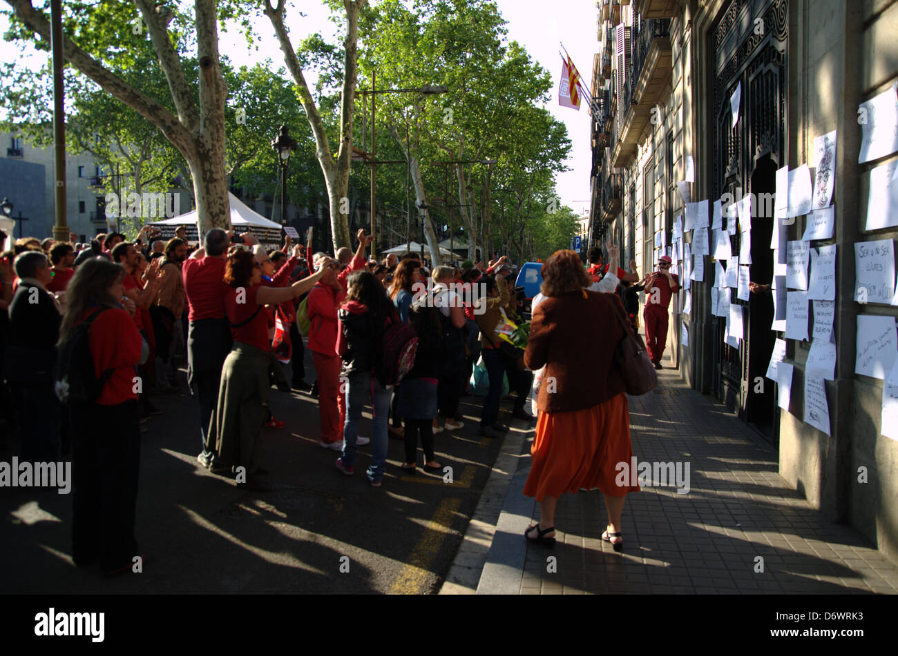 Barcelona, Spain. 23rd April, 2013. . Workers of cultural areas protests against budget cuts and the increase of - Stock Image