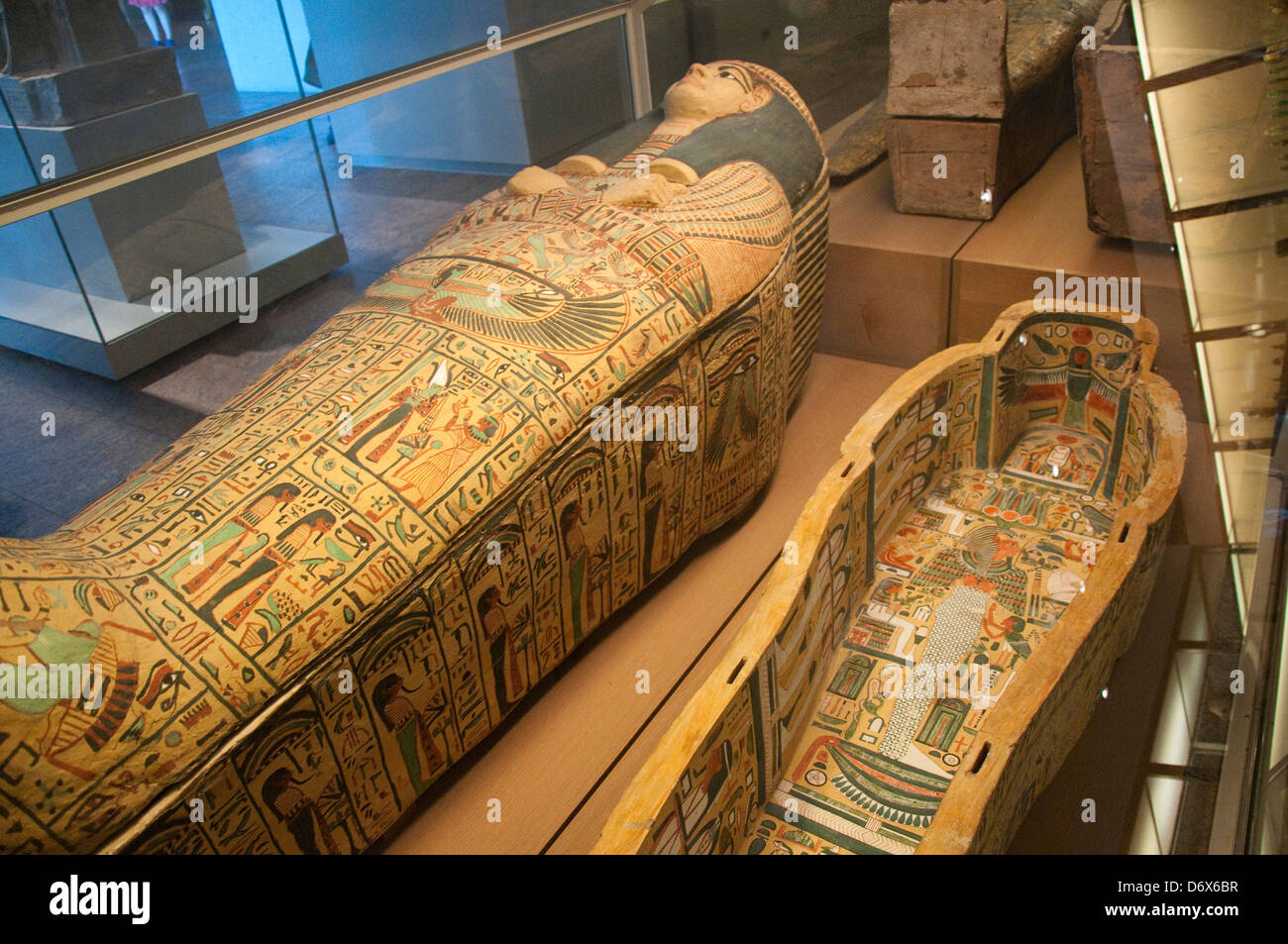 Metropolitan Museum Of Art Stock Photos Metropolitan: A Tomb In The Egyptian Gallery In The Metropolitan Museum