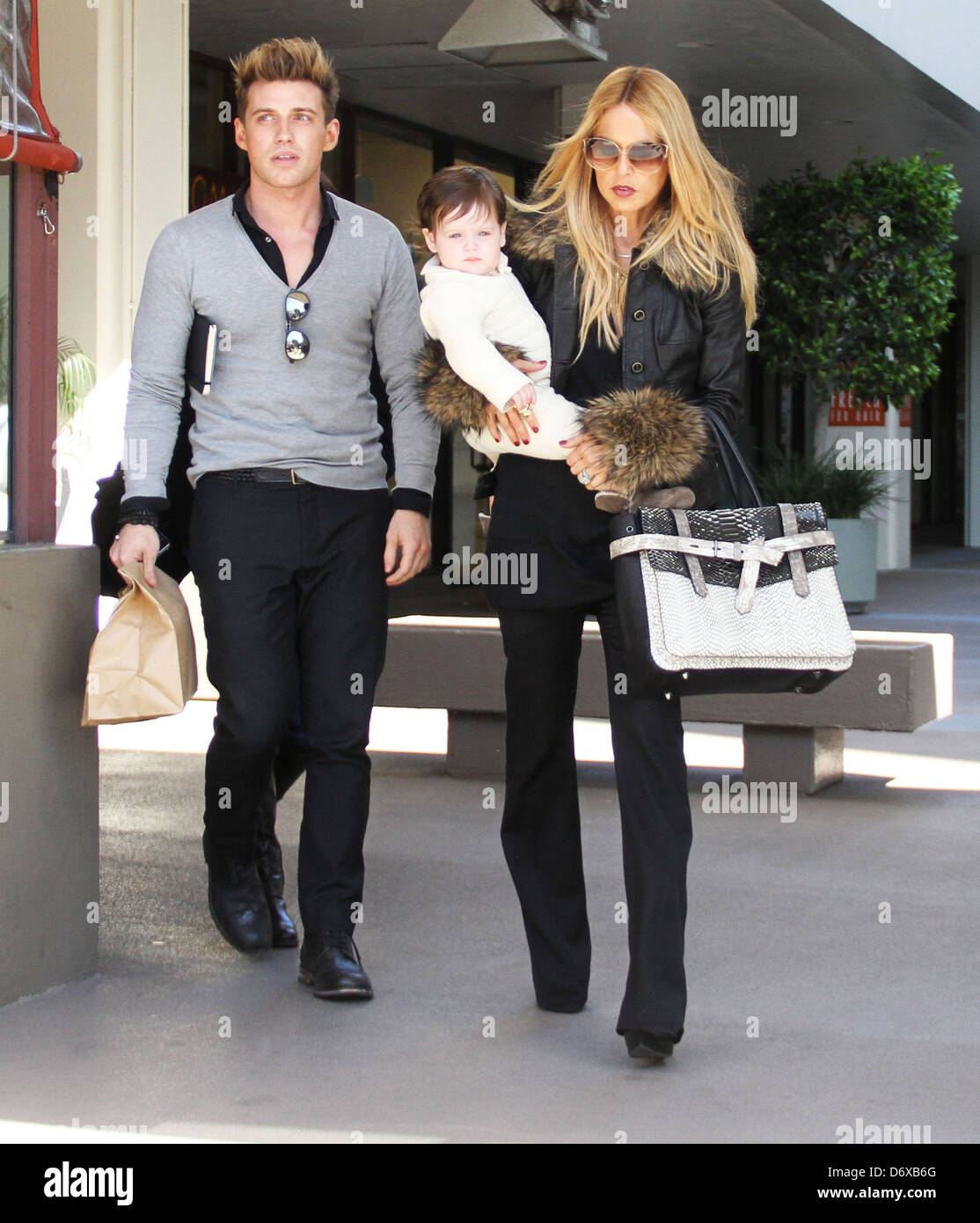 Rachel Zoe And Her Son Skyler Browse Furniture Stores On Robertson  Boulevard Beverly Hills, California   07.03.12