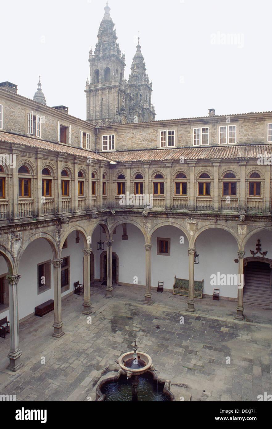 Courtyard and cathedral. Parador Hostal de los Reyes Catolicos, Santiago de Compostela, La Coruña province, - Stock Image
