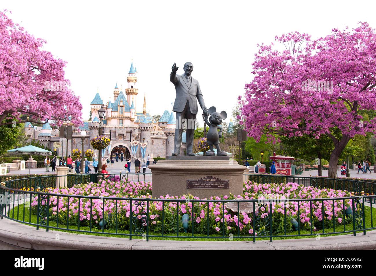 Walt Disney Statue Mickey Stock Photos Walt Disney Statue Mickey
