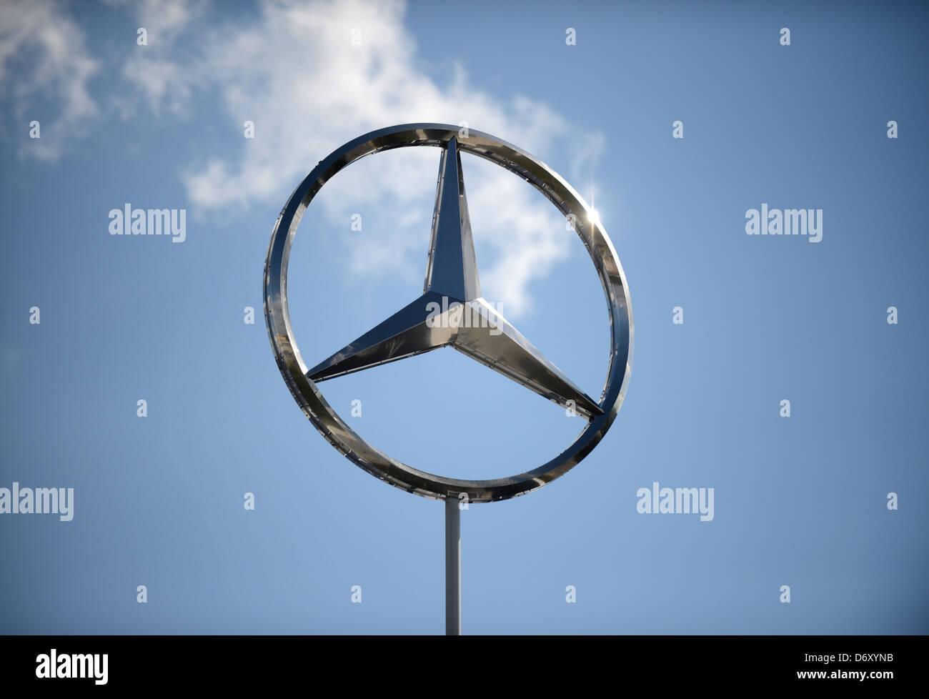 Daimler Benz Star Stock Photos Daimler Benz Star Stock Images Alamy