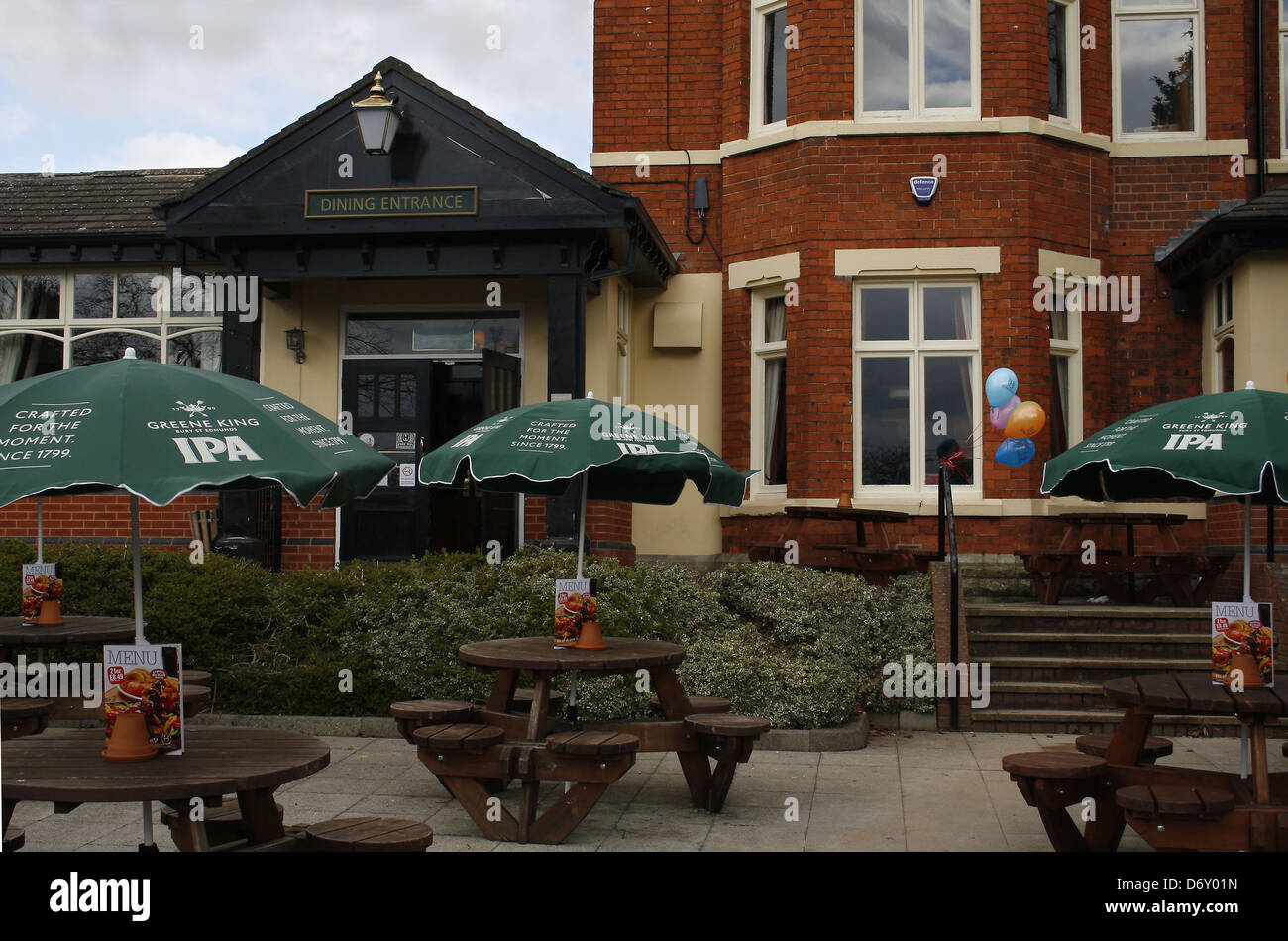 Pub Table And Bench Stock Photos & Pub Table And Bench Stock Images ...
