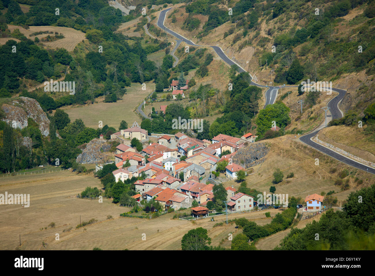 Mountain village in valley Santa Marina de Valdeon in Picos de Europa, Northern Spain - Stock Image