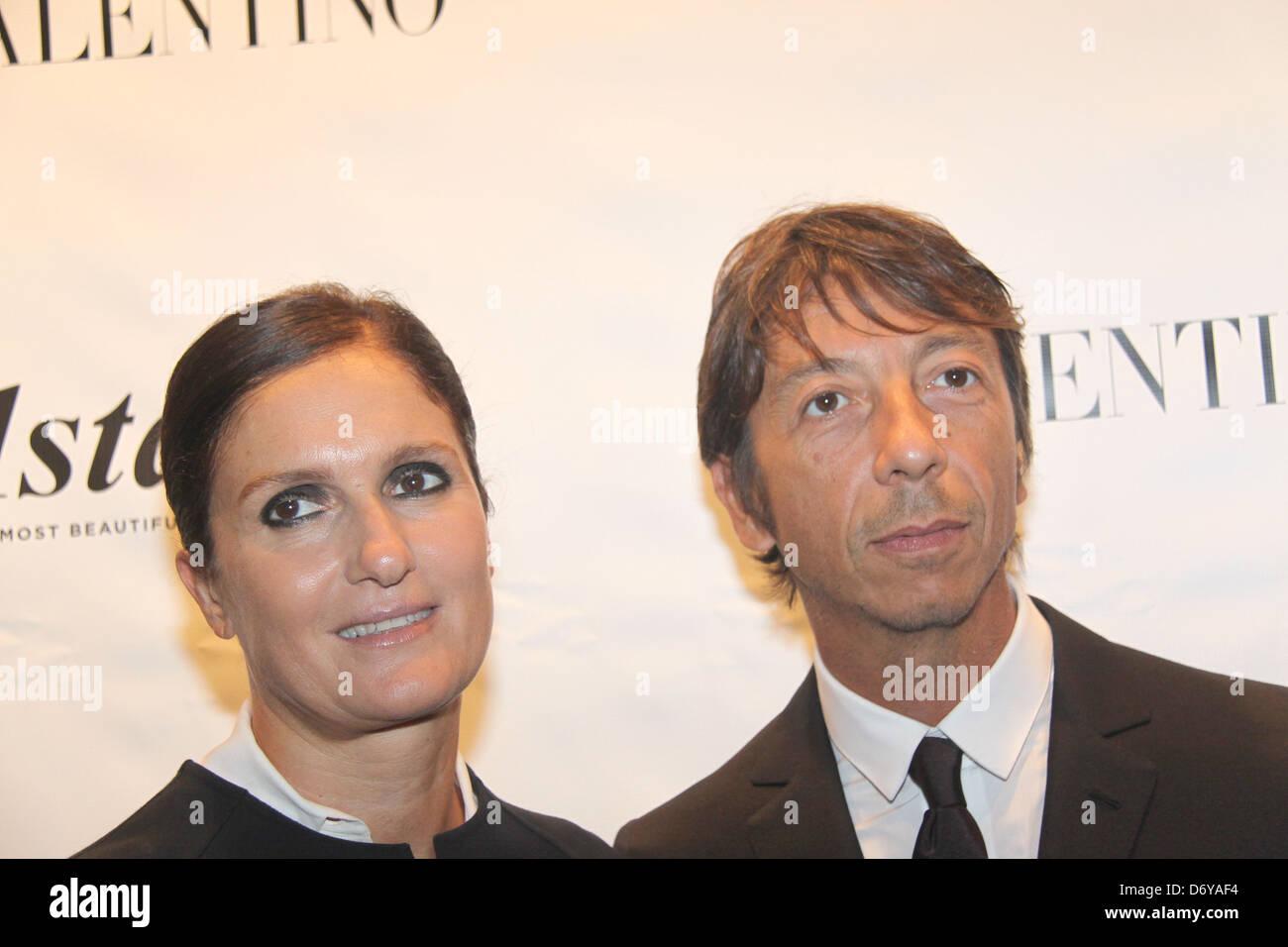 1a7bd22f5ab84 Maria Grazia Chiuri and Pier Paolo Piccioli Valentino Garavani is honored  with the 2011 Couture Council