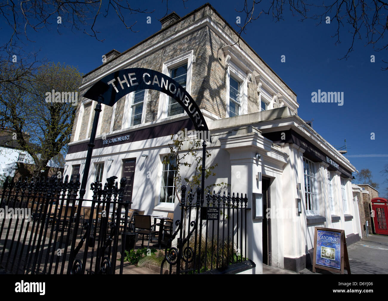 The Canonbury bar and restaurant in Islington, London - Stock Image