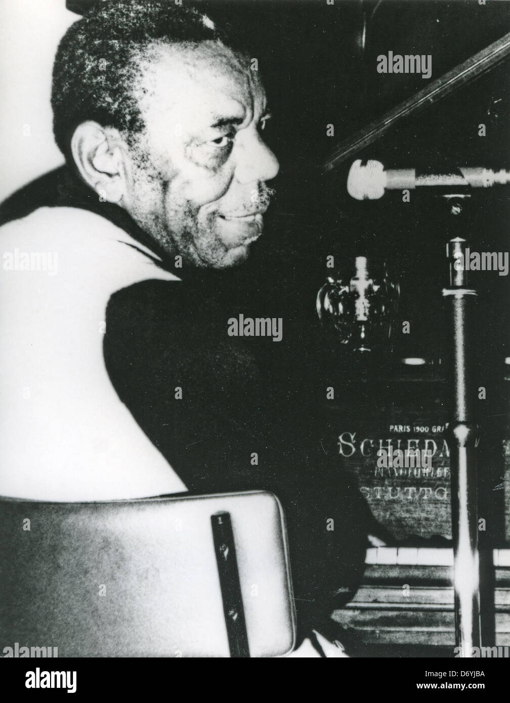 CHAMPION JACK DUPREE (c 1909-1992) US Blues pianist about 1985 - Stock