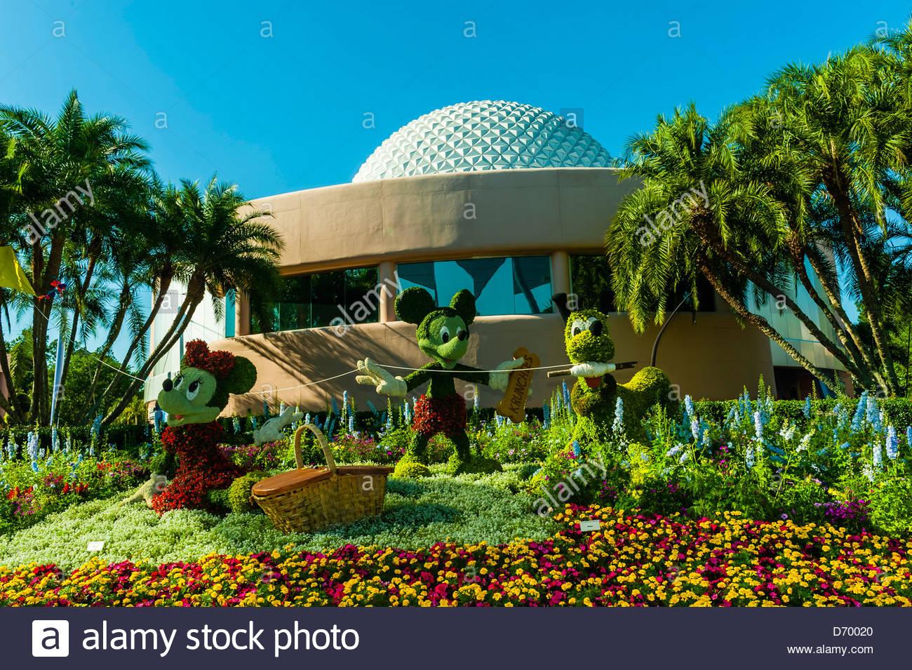 Pluto disney stock photos pluto disney stock images alamy for Disney flower and garden festival