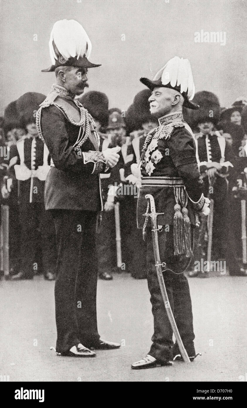 Lord Kitchener, left, with Lord Roberts. - Stock Image