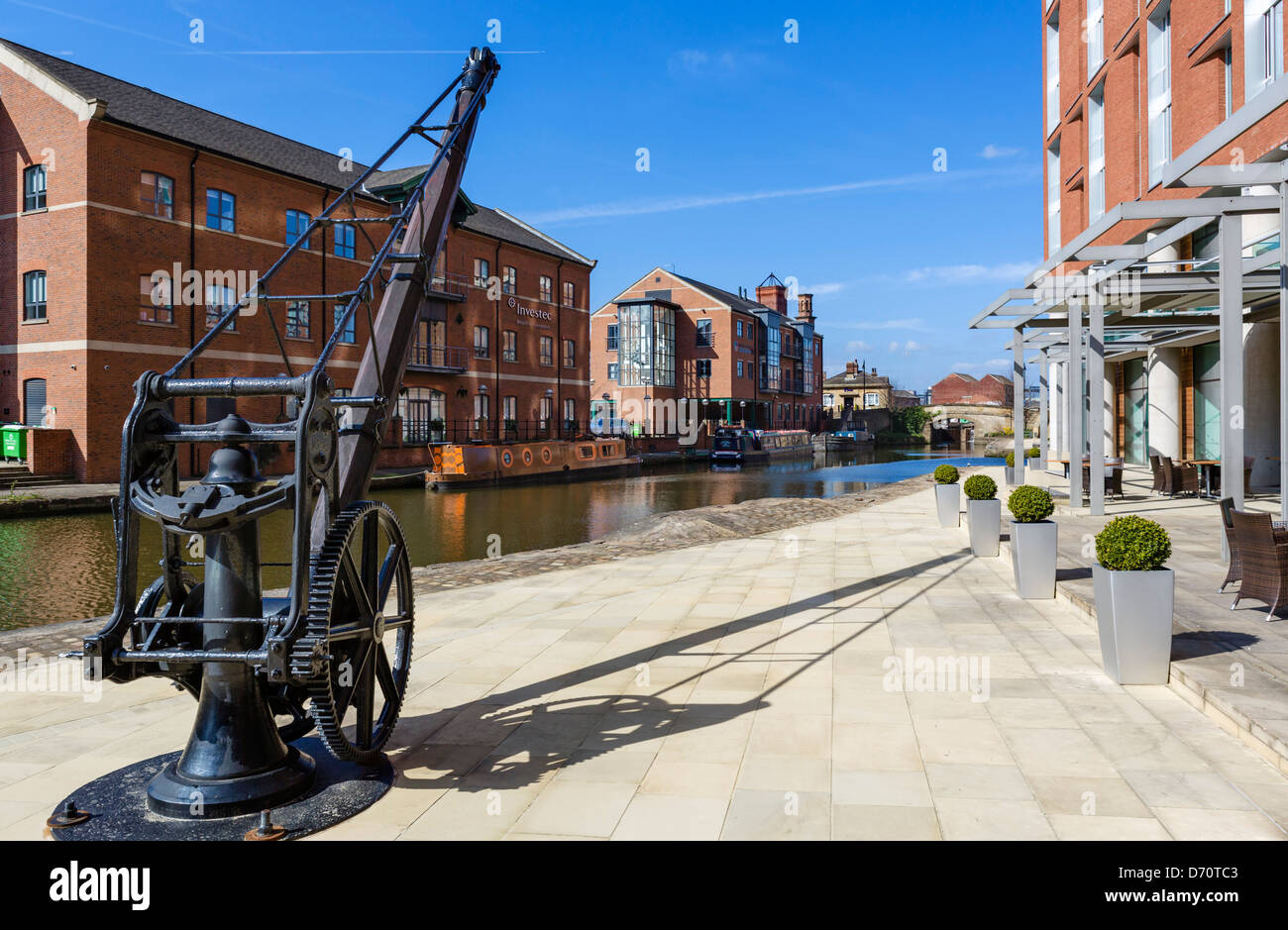 Leeds-Liverpool Canall outside the DoubleTree Hotel at Granary Wharf, Leeds, West Yorkshire, UK - Stock Image