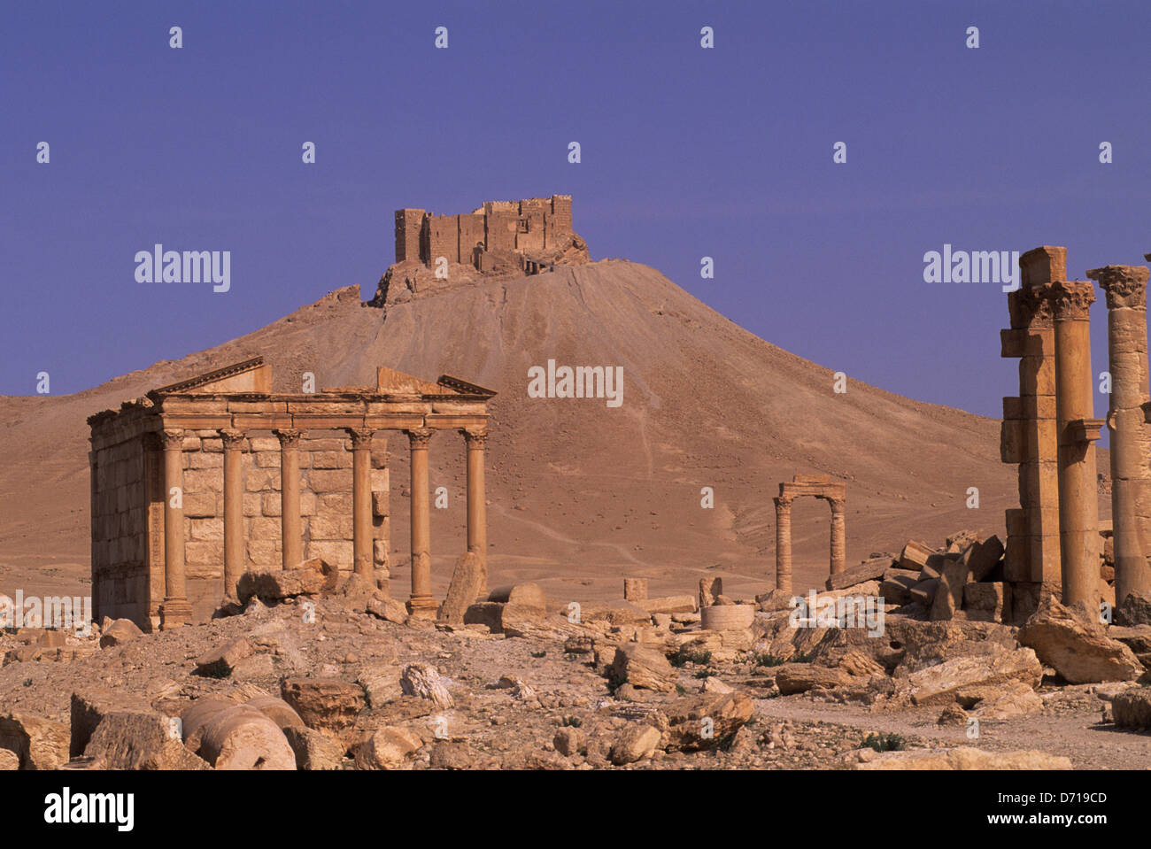 Syria, Palmyra, Ancient Roman City, Funerary Temple With Castle Of Fakhr Ud-Din In Background - Stock Image
