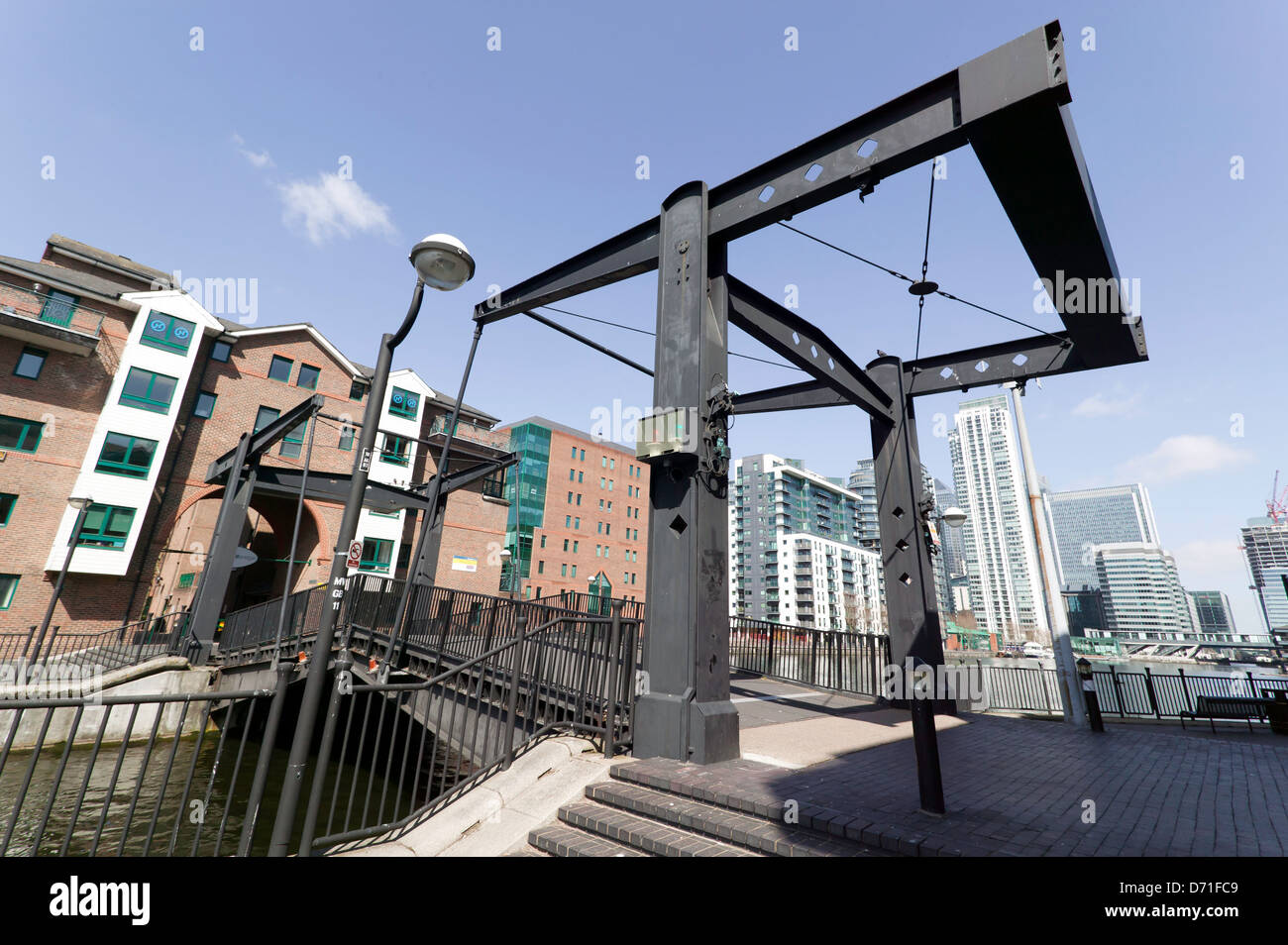 The Glengall Bridge, at Millwall Dock on the Isle of Dogs, London - Stock Image