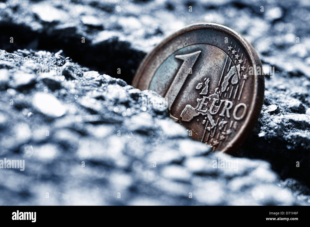 Euro-coin one in fissure, eurocrisis - Stock Image