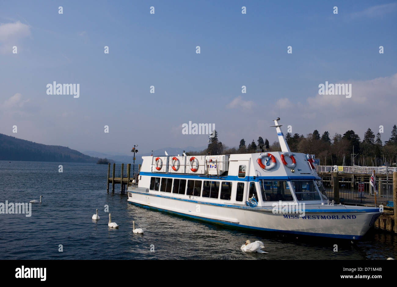 Miss The Boat Stock Photos & Miss The Boat Stock Images - Alamy