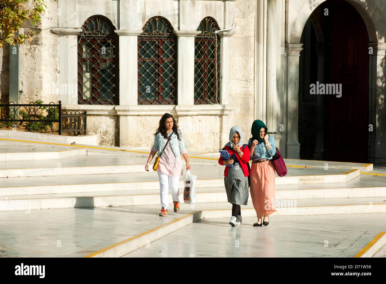 Türkei, Istanbul, Eyüp, Junge Mädchen Stock Photo