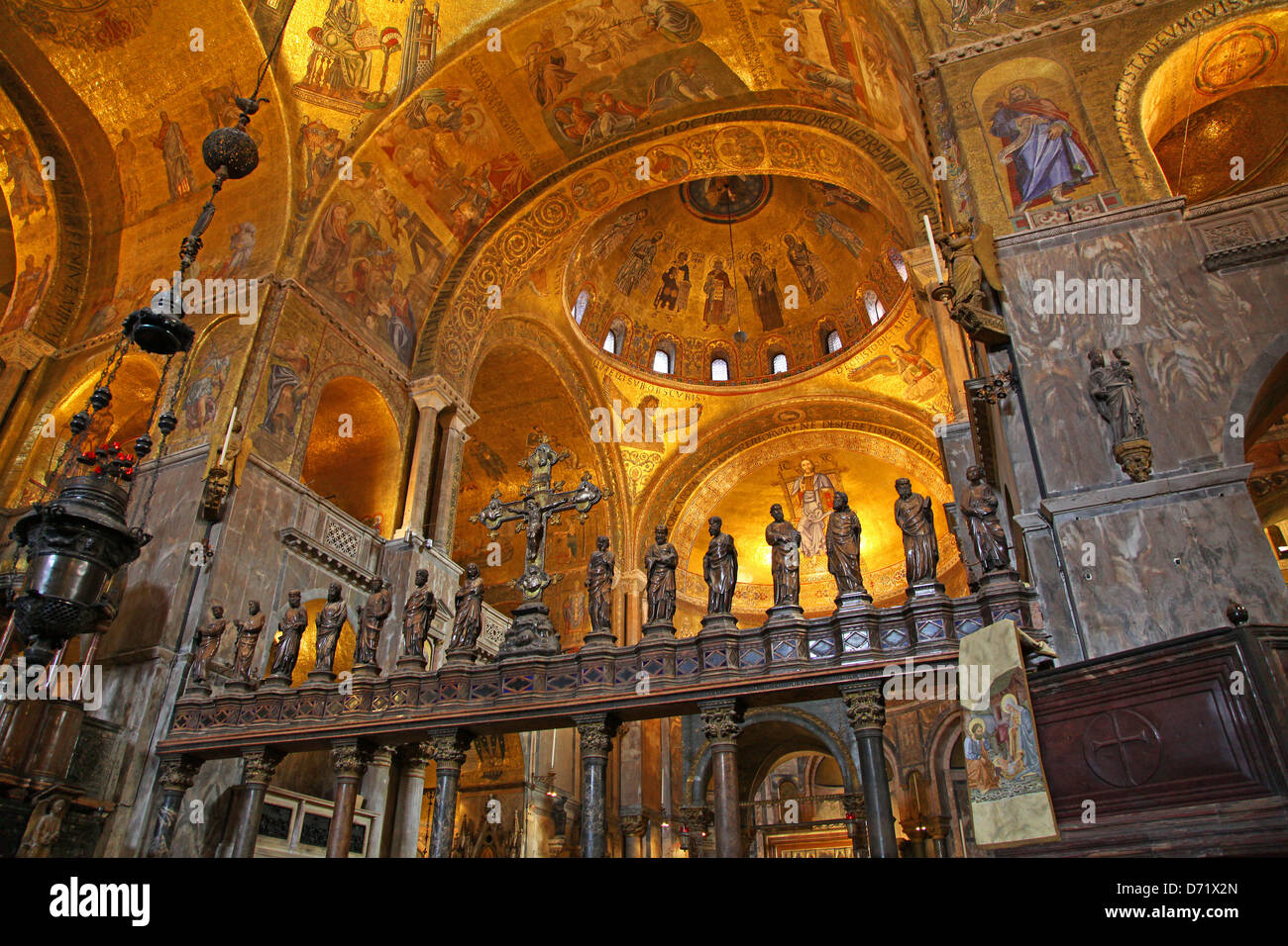 Interior view of saint mark 39 s basilica or the basilica di for Interno basilica san marco
