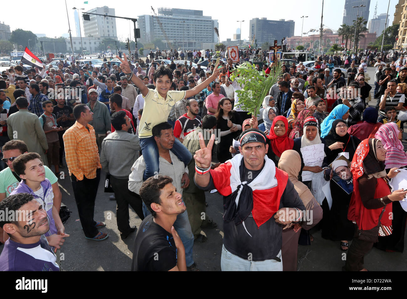 peaceful christian-muslim mass rally in Tahrir Square, Cairo, Egypt - Stock Image