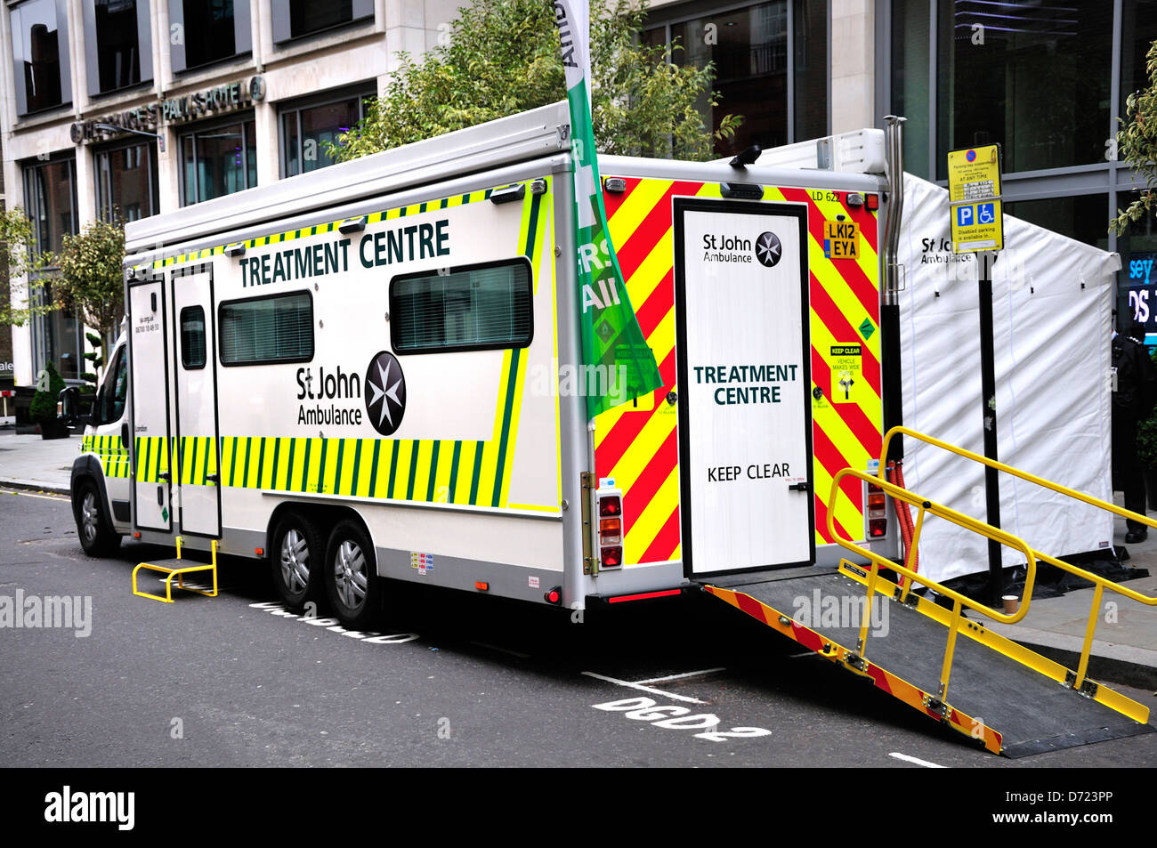 st johns ambulance stock photos  u0026 st johns ambulance stock