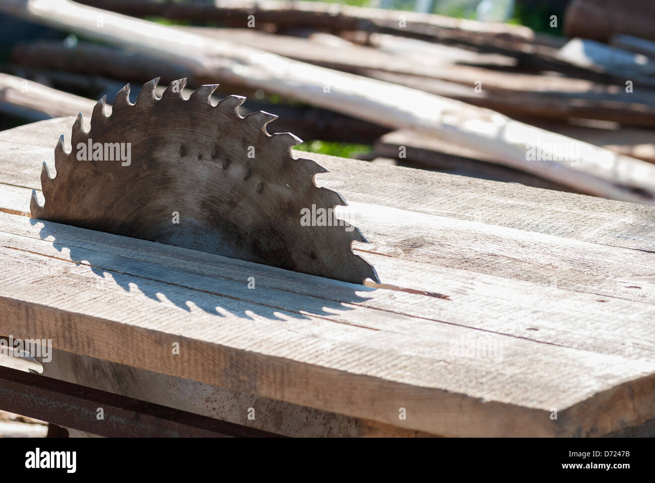 Close up of table saw blade, outdoors - Stock Image