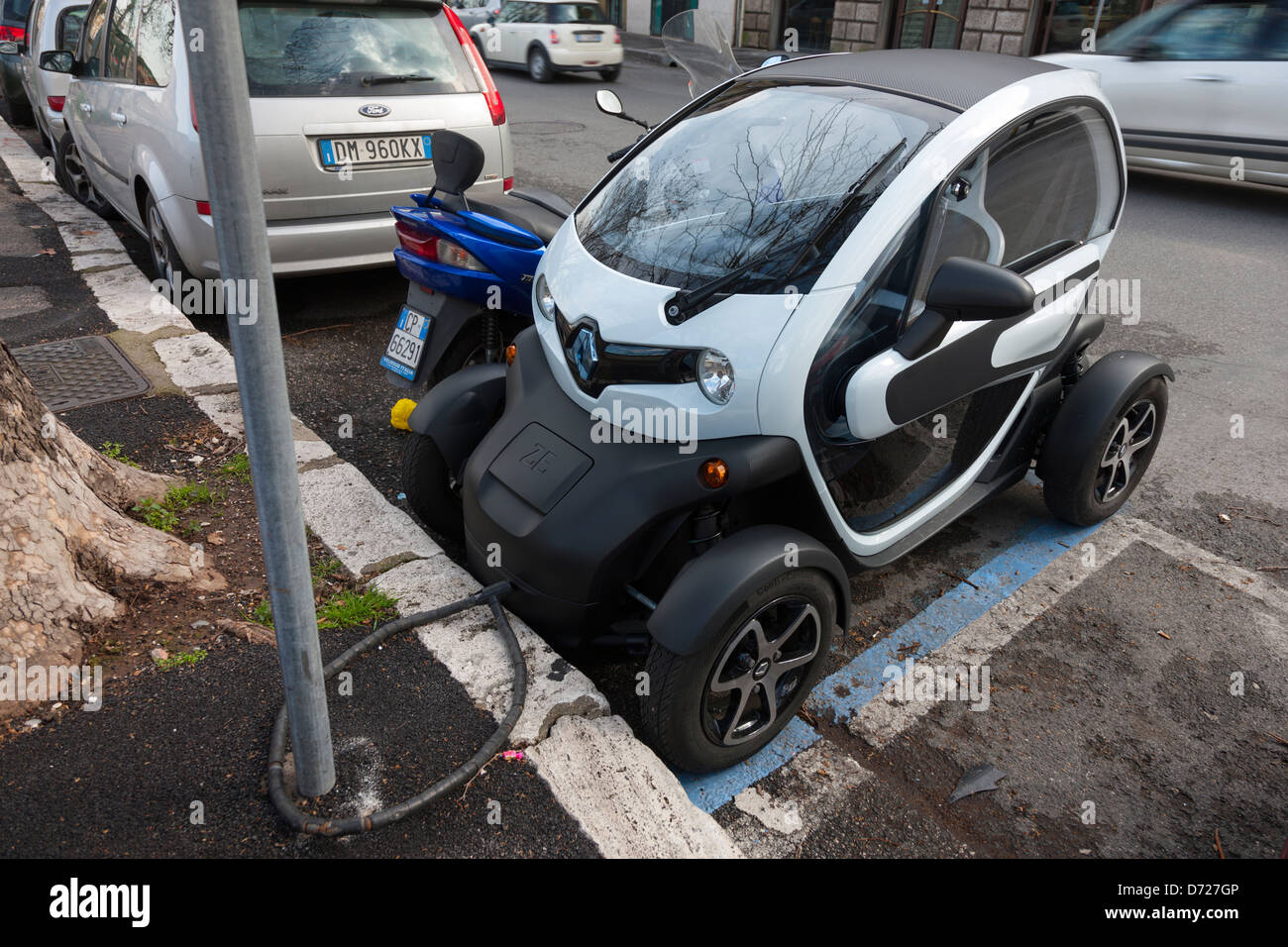 Renault Ze Zero Emission Electric Vehicle Chained To A Lamp Post