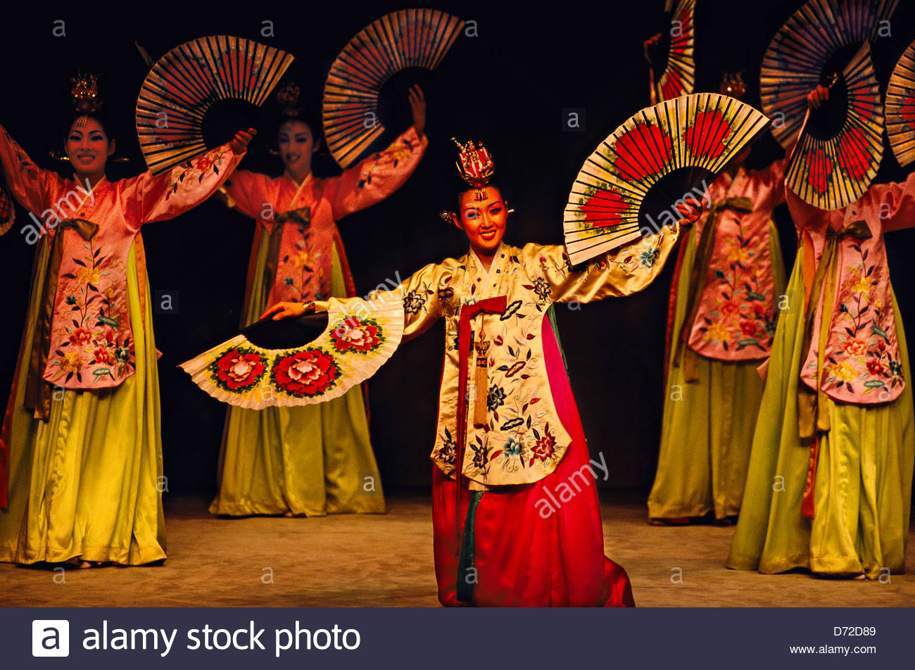 Traditional dance, music set to dazzle over Lunar New Year ...