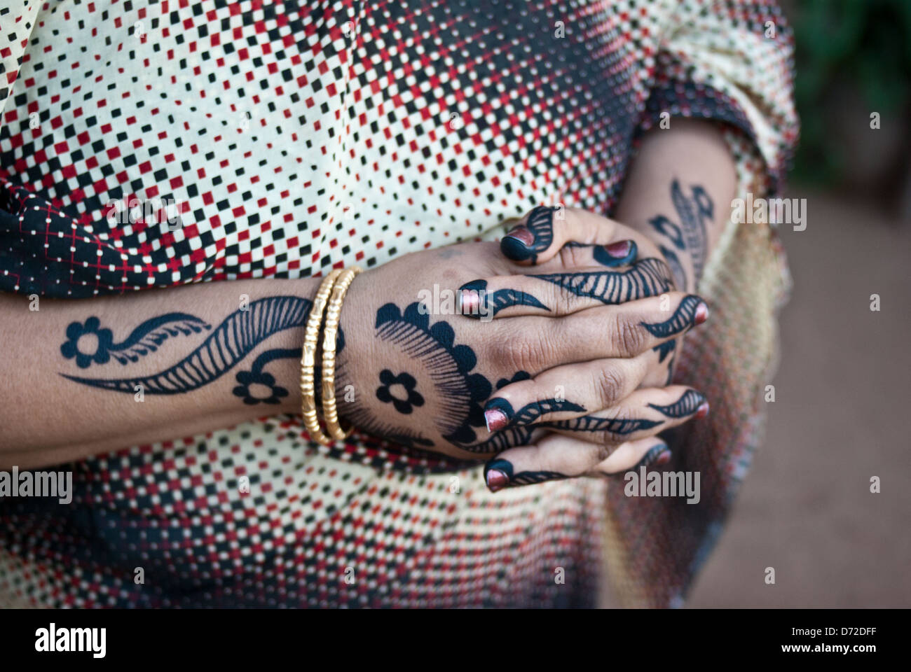 Woman With Henna Tattoo On Her Hands Atbara Sudan Stock Photo