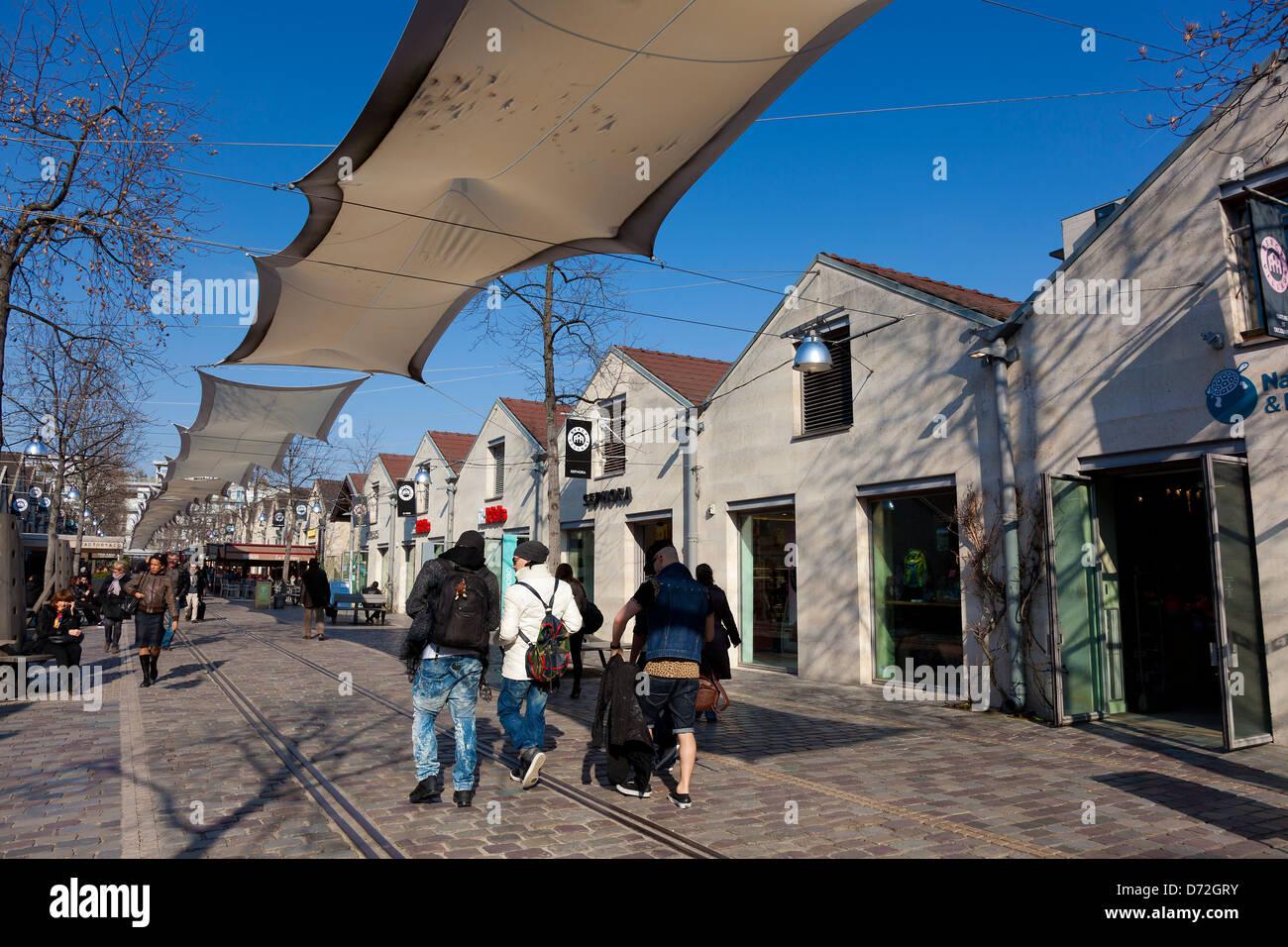 Bercy village, Paris, Ile de France, France - Stock Image