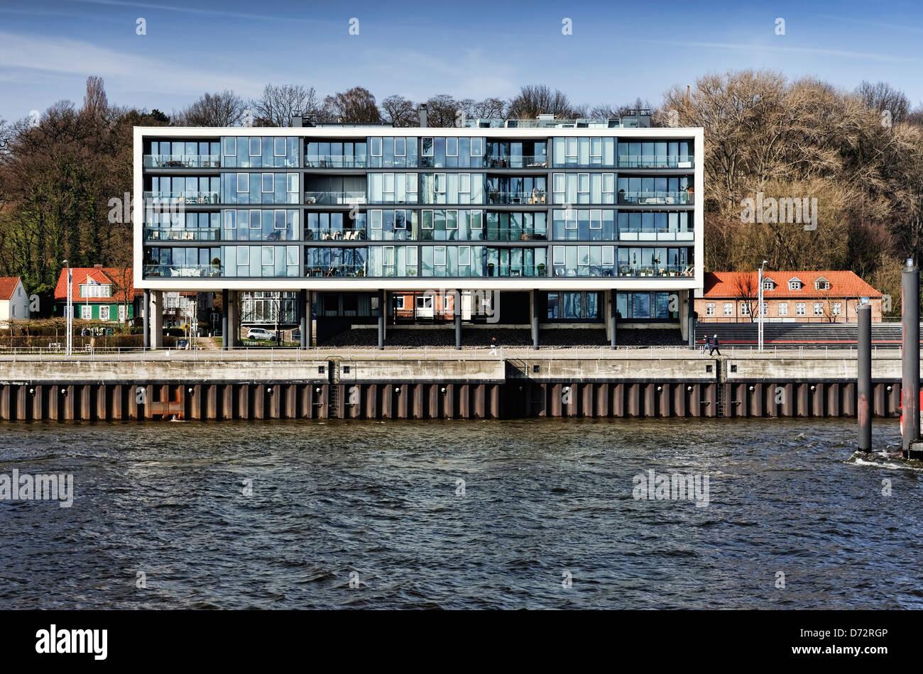 Modern dwelling house on the shore new mills in Ottensen, Hamburg, Germany, Europe - Stock Image