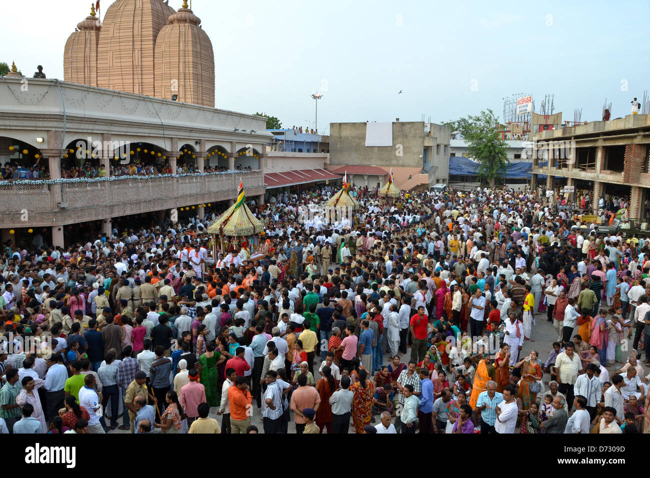 mass of ahmedabad people at early morning at temple - Stock Image