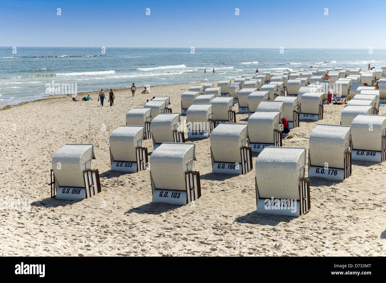Sellin, Germany, Strandkoerbe on the beach of Sellin - Stock Image