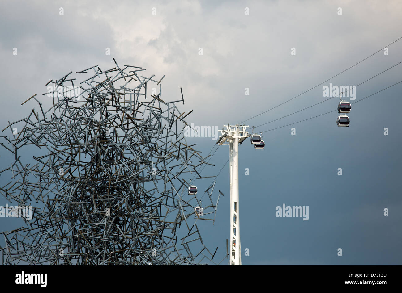 London, United Kingdom, Emirates Air Line cable car and Quantum Cloud sculpture - Stock Image