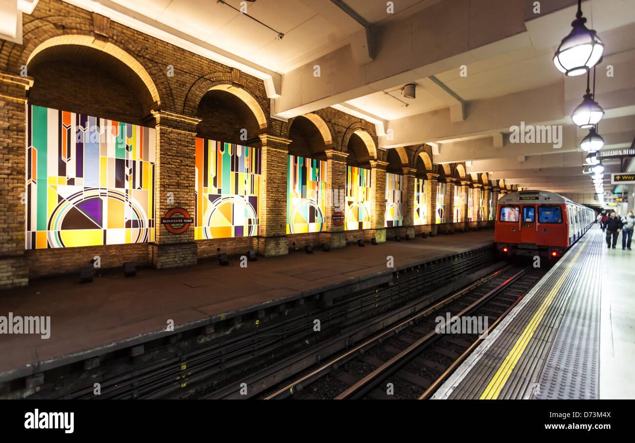Gloucester underground Station platform, London, England, UK - Stock Image
