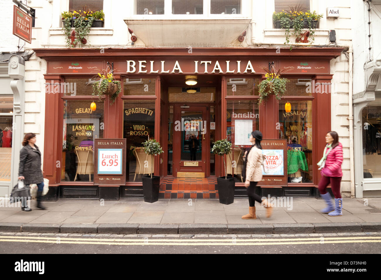Italian Restaurant Exterior High Resolution Stock Photography And Images Alamy