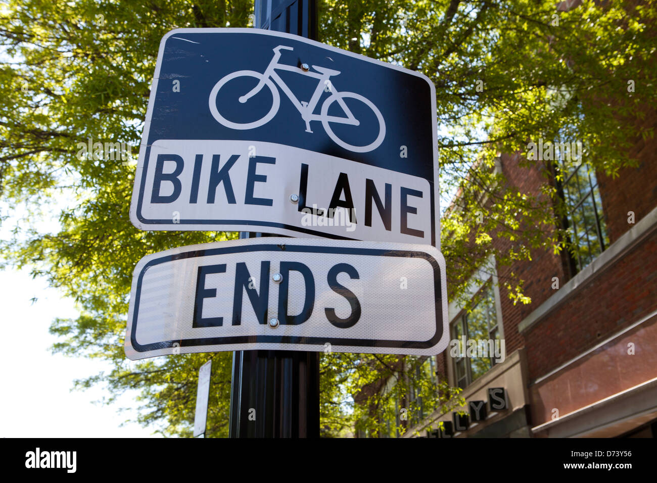 End of bike lane sign - USA - Stock Image
