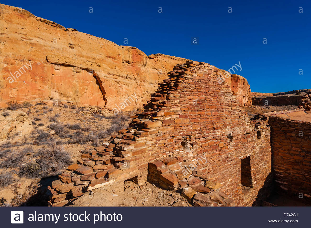 Chetro Ketl (begun around 1020 and had an estimated 500 rooms and 16 kivas), Chaco Culture National Historical Park Stock Photo