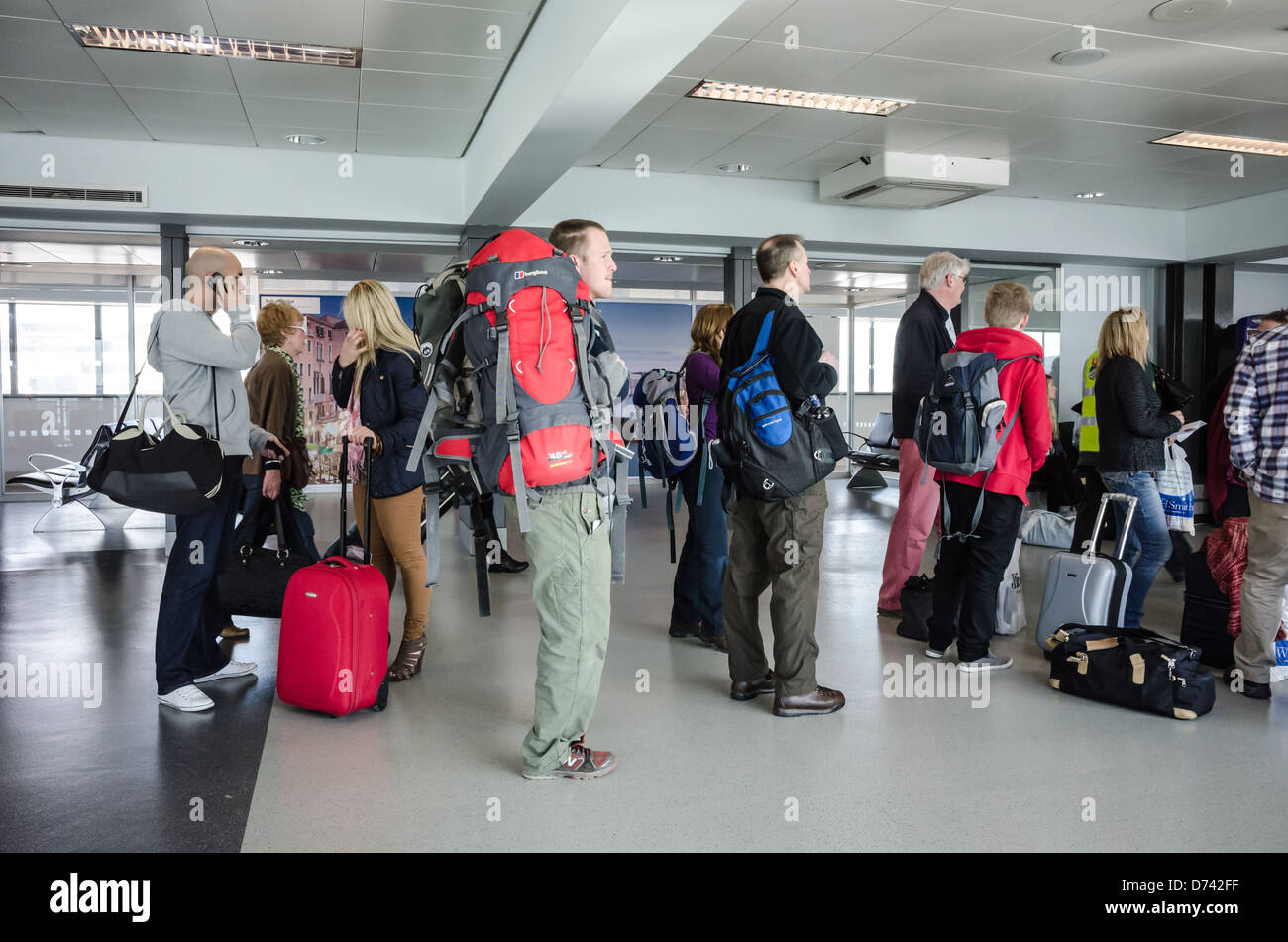 Cabin Baggage Stock Photos & Cabin Baggage Stock Images - Alamy