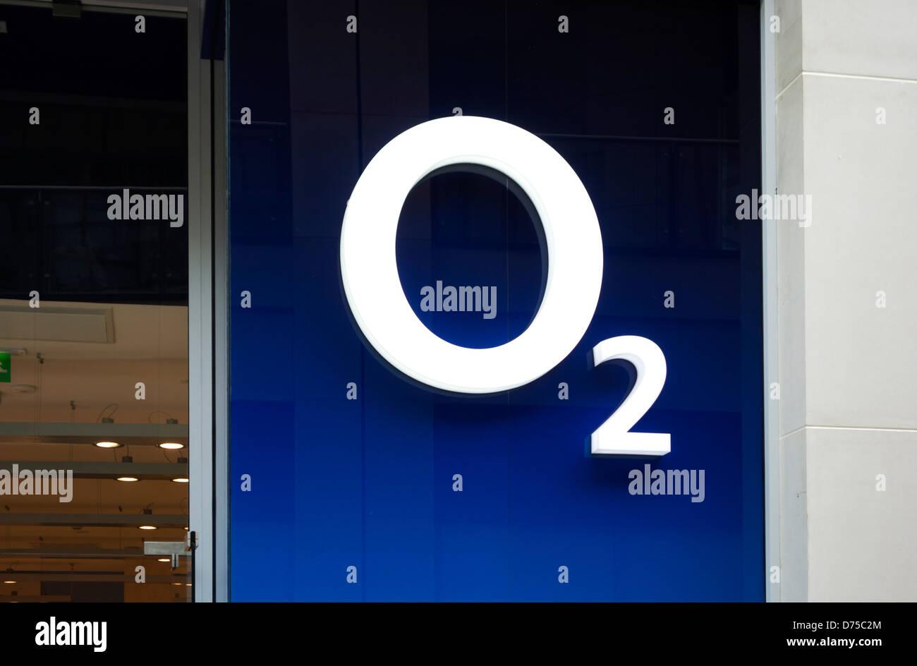 O2 store on Briggate, Leeds, West Yorkshire, UK - Stock Image