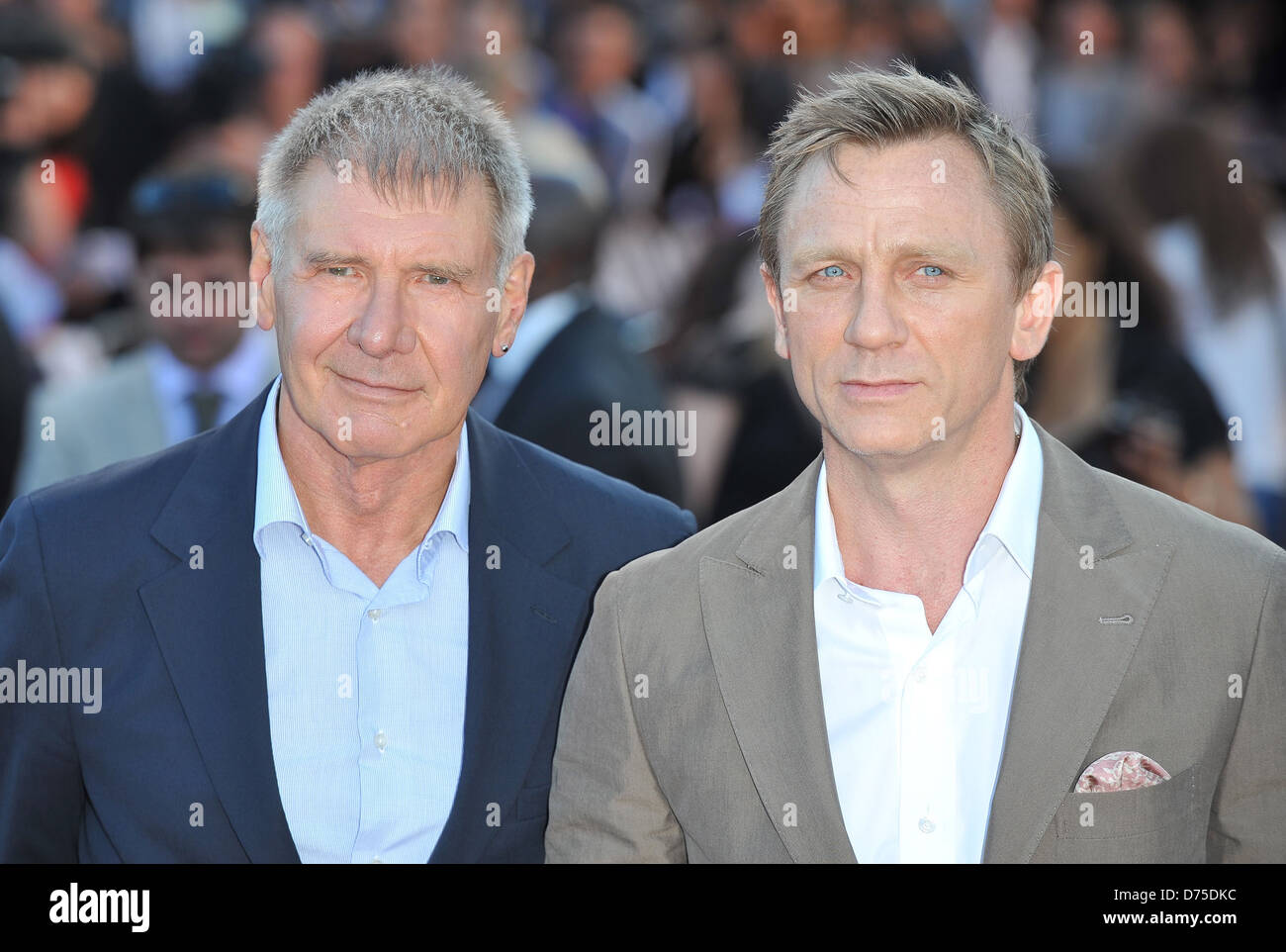 Harrison Ford and Daniel Craig Cowboys & Aliens - UK film premiere Stock  Photo - Alamy