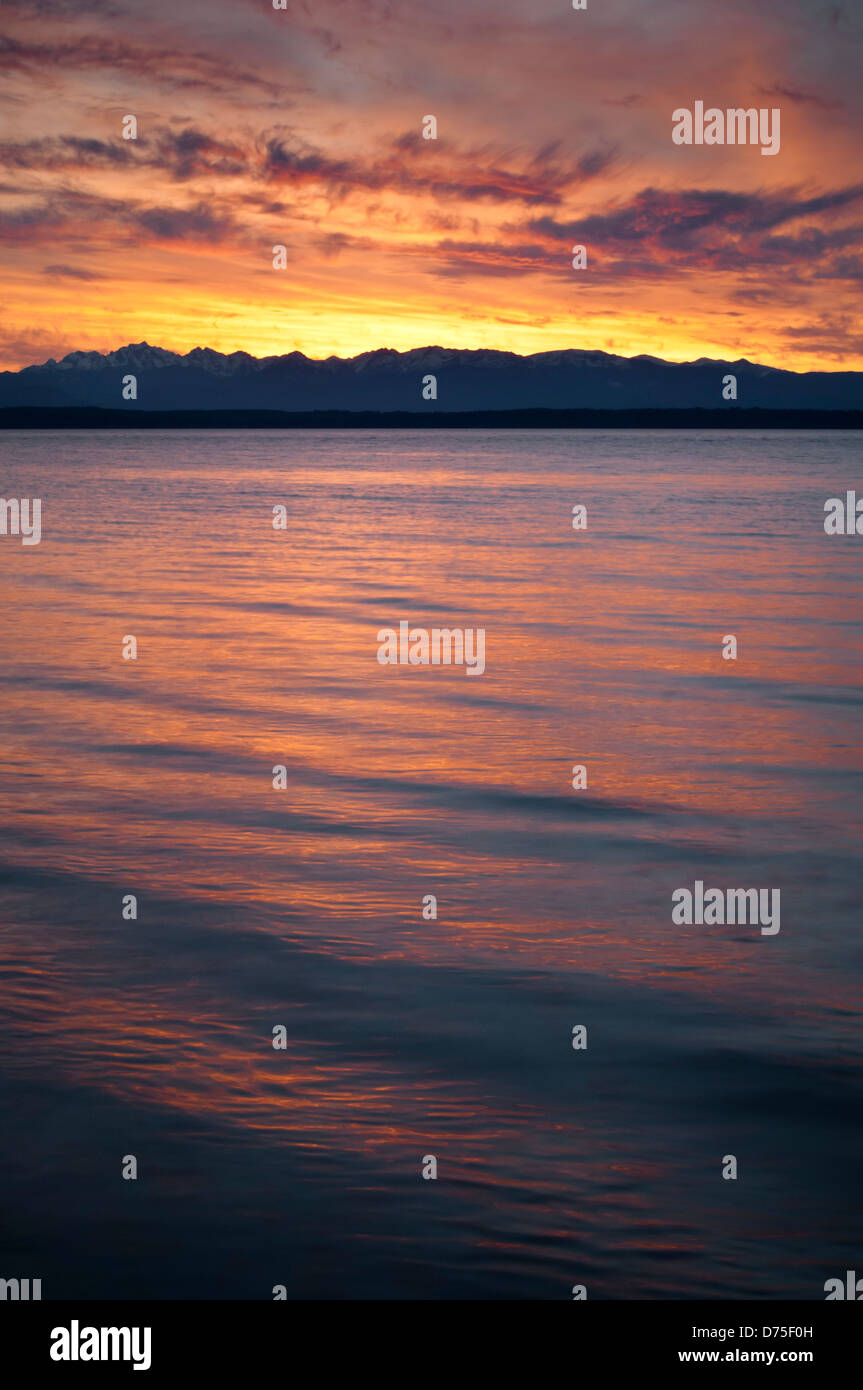 Sunset over the Puget Sound at Picnic Point County Park, Snohomish County, Washington, USA - Stock Image