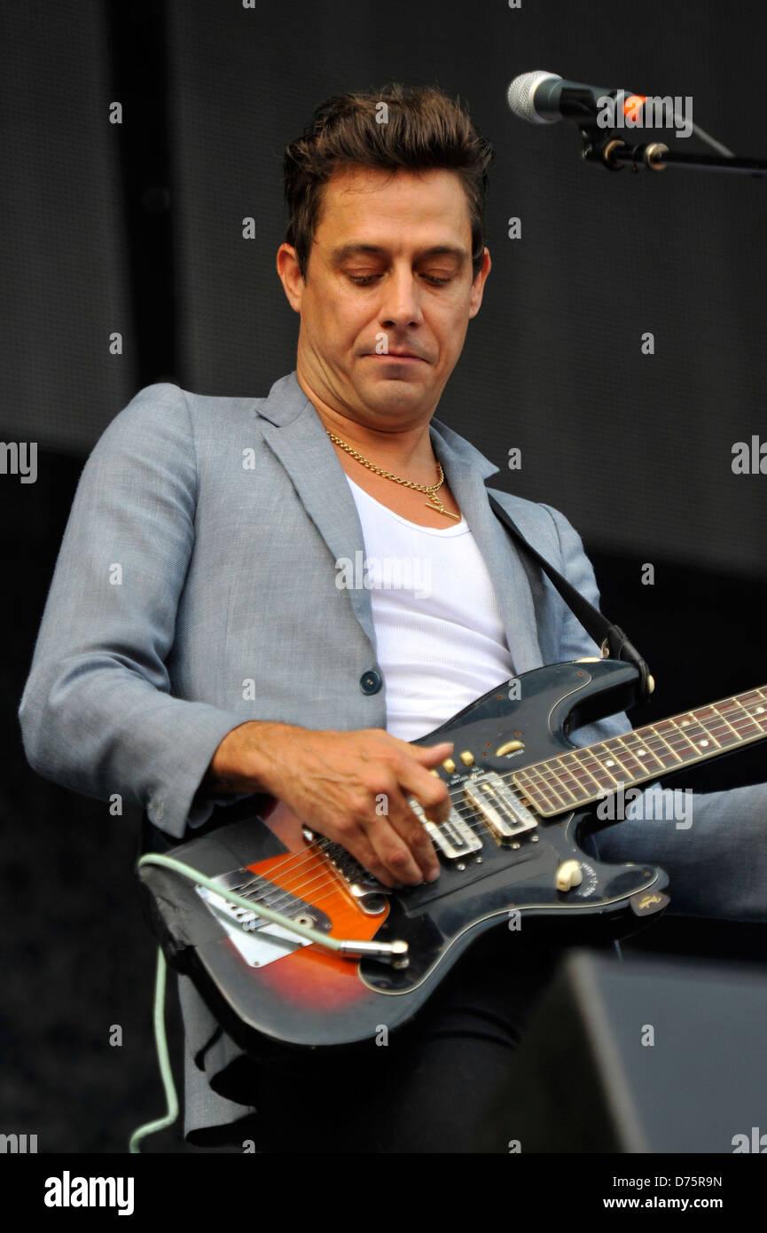 Jamie Hince of The Kills Lollapalooza Music Festival 2011 - Performances - Day 1 Chicago, Illinois - 05.08.11 - Stock Image