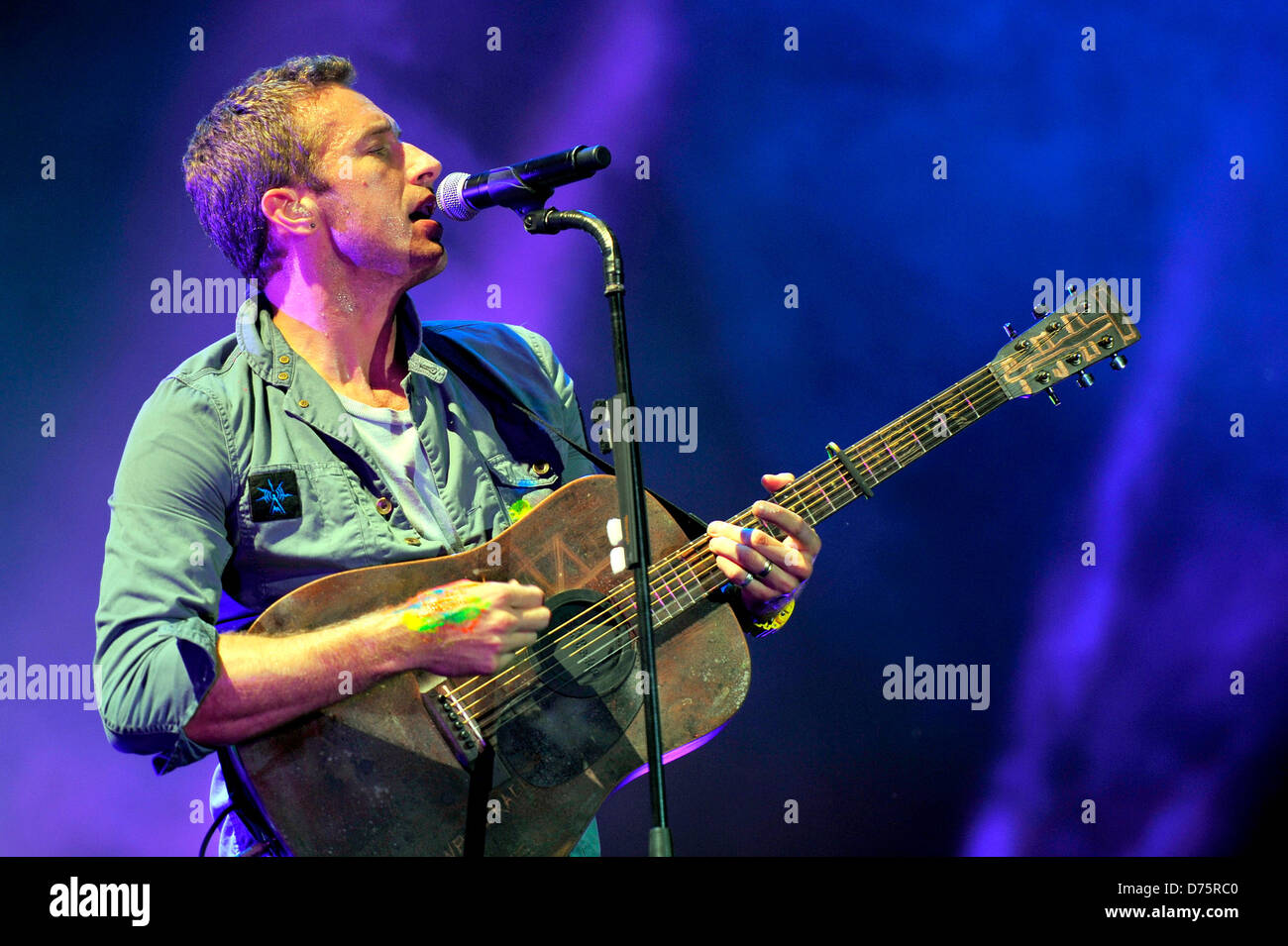 Chris Martin of Coldplay Lollapalooza Music Festival 2011 - Performances - Day 1 Chicago, Illinois - 05.08.11 - Stock Image