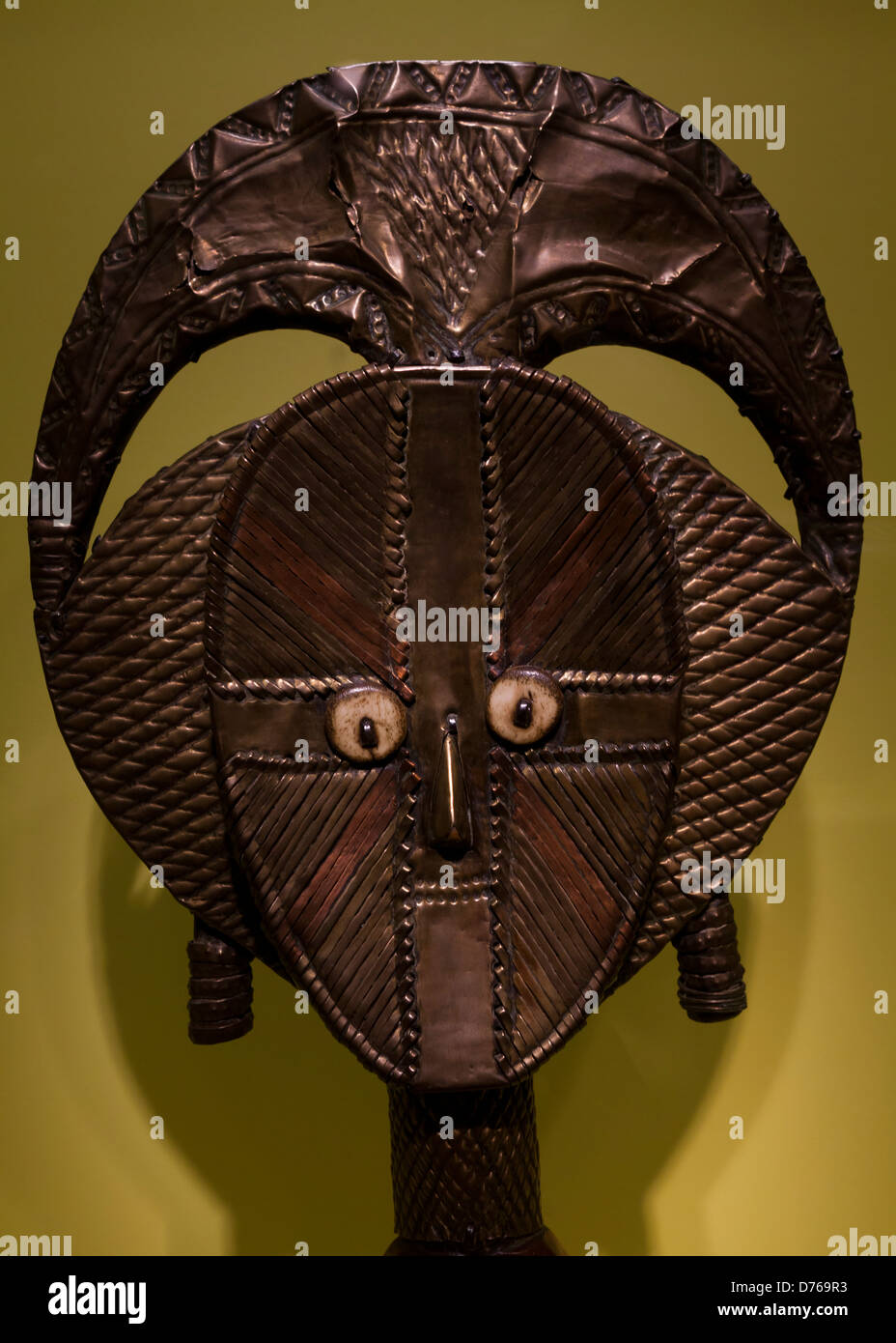 Ceremonial mask of the Isoko peoples, Nigeria - Stock Image